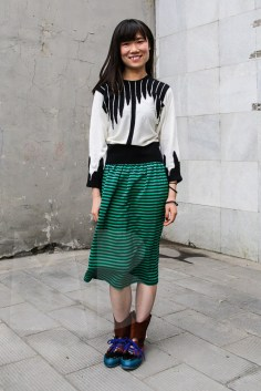 Viola is wearing a silk knitted top by Conny Groenewegen, skirt by Les Prairies (property of MS) Shoes by Sander Wassink, Viola and Nico.